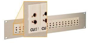 Pannelli standard universali per prese jack da 483 mm. |