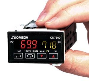 Regolatore 1⁄32 DIN a rampa/assorbimento. | Serie CN7500