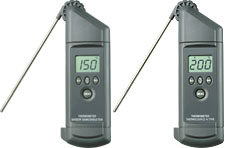 Low Cost Handheld Thermometers with Integral Probe | HH67 and HH68K